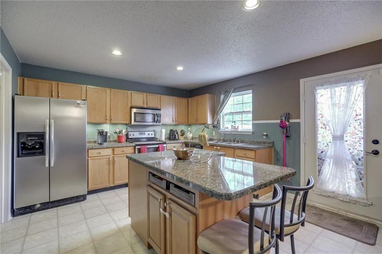 6644 Olive Branch Court Indianapolis, IN 46237 | MLS 21663932 | photo 12