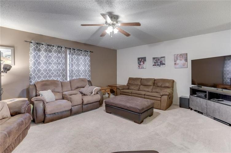 6644 Olive Branch Court Indianapolis, IN 46237 | MLS 21663932 | photo 8