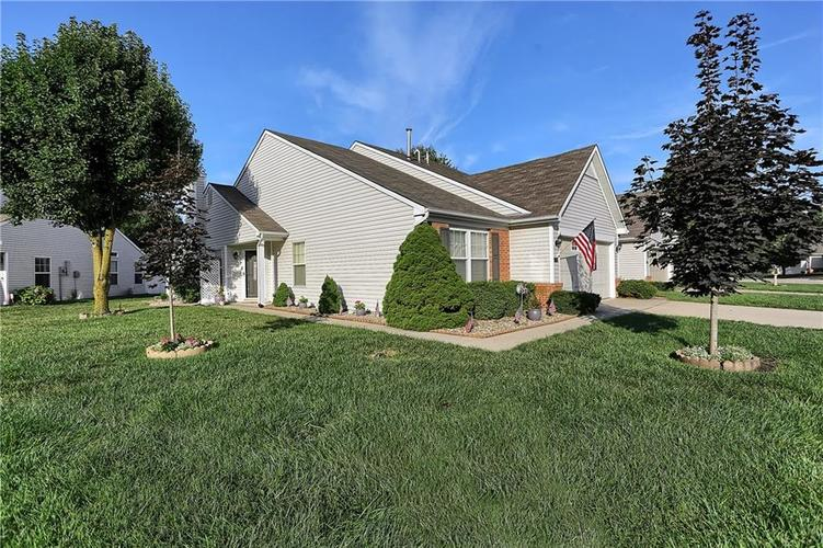 7310 OAK KNOLL Drive Indianapolis, IN 46217 | MLS 21663993 | photo 1