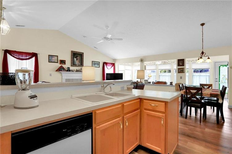 7310 OAK KNOLL Drive Indianapolis, IN 46217 | MLS 21663993 | photo 25
