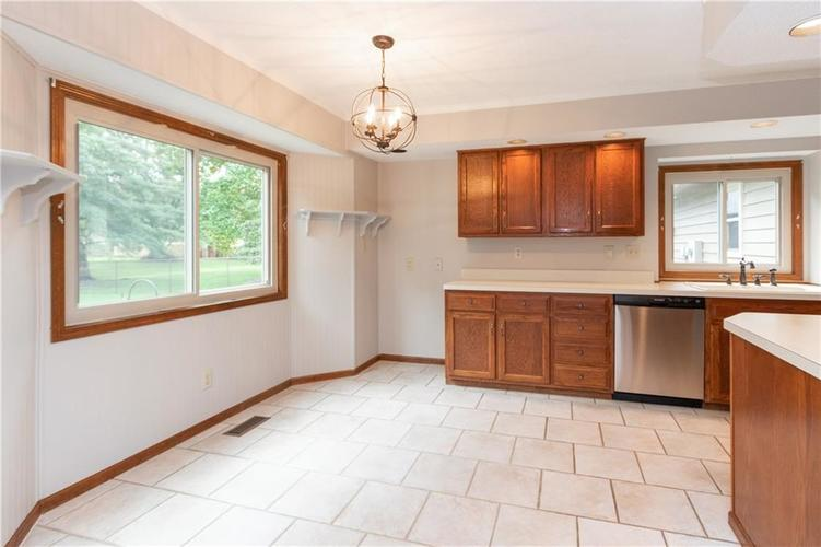 1611 Iron Liege Road Indianapolis, IN 46217 | MLS 21664037 | photo 13
