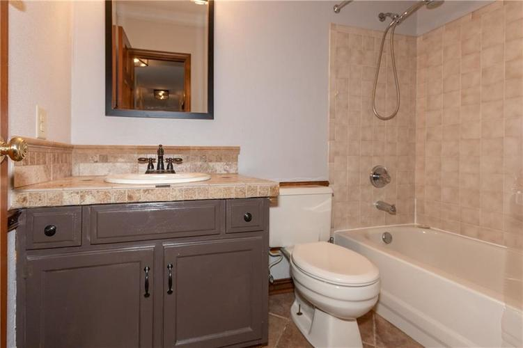 1611 Iron Liege Road Indianapolis, IN 46217 | MLS 21664037 | photo 25