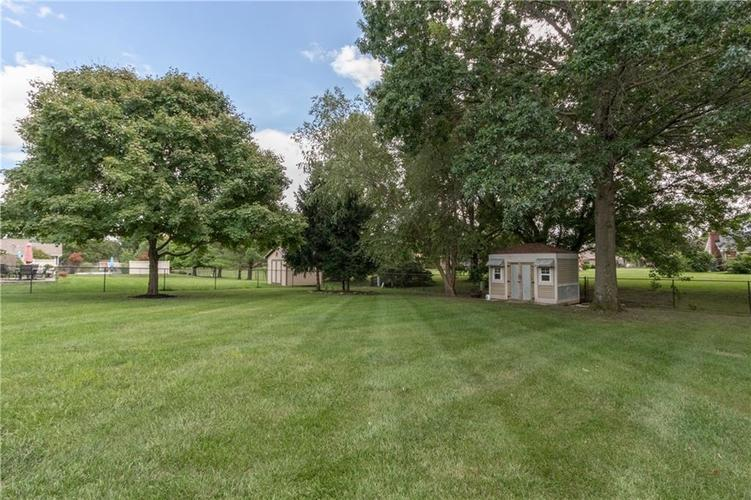 1611 Iron Liege Road Indianapolis, IN 46217 | MLS 21664037 | photo 3