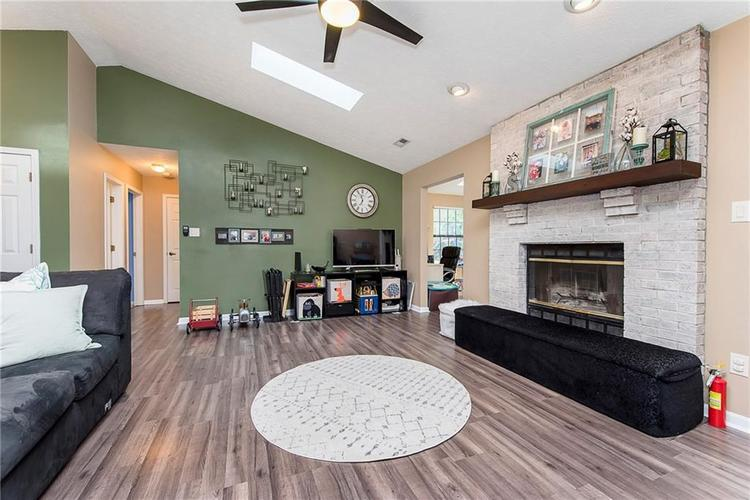 5497 Pine Hill Drive Noblesville, IN 46062 | MLS 21664064 | photo 10