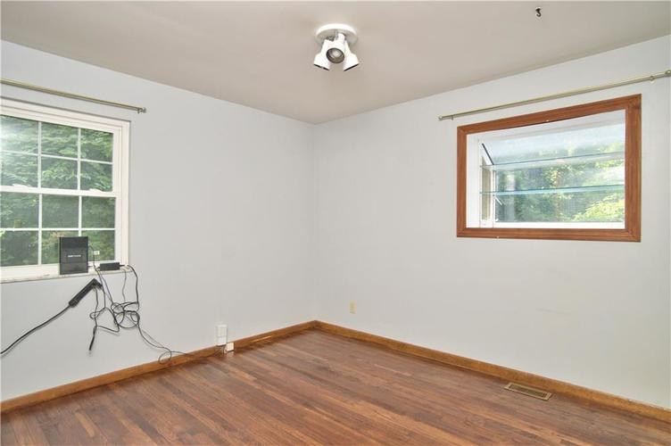 2933 W 82nd Street Indianapolis, IN 46268 | MLS 21664082 | photo 23