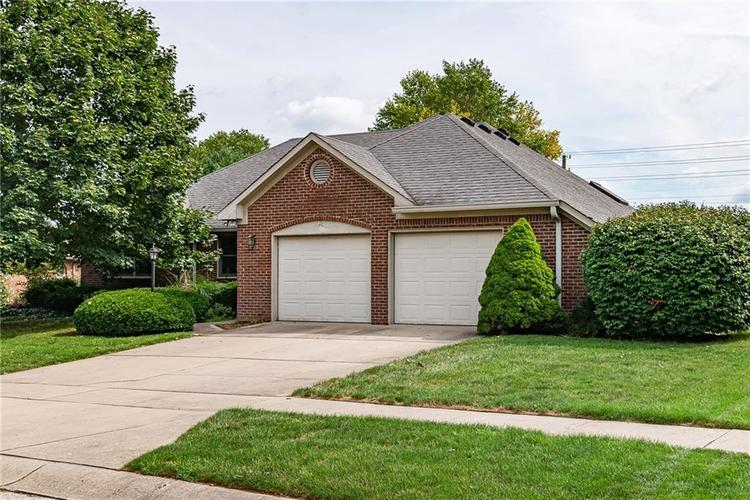 7327 Rooses Drive Indianapolis IN 46217 | MLS 21664111 | photo 1