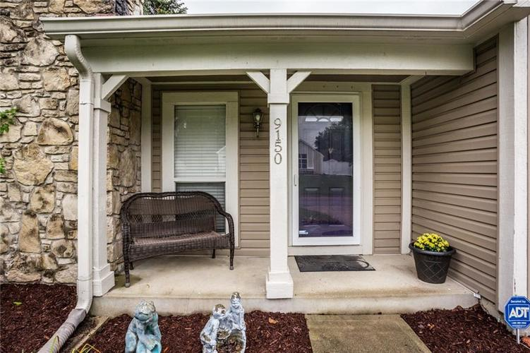 9150 FIRESIDE Court Indianapolis, IN 46250 | MLS 21664113 | photo 4