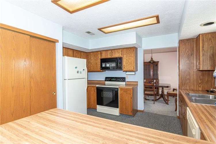 9264 Fireside Drive Indianapolis, IN 46250   MLS 21664186   photo 14