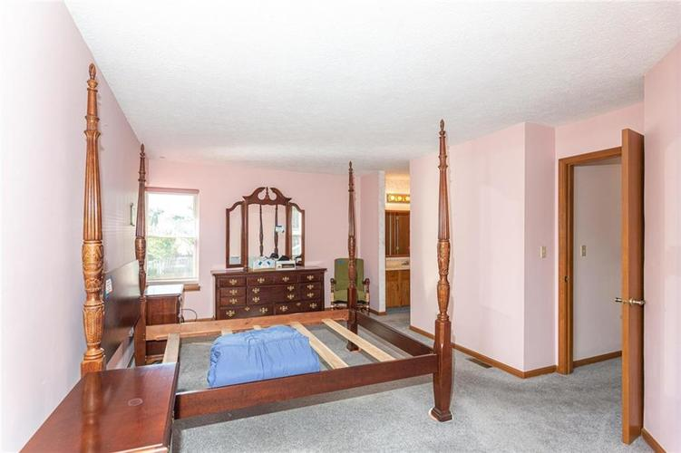 9264 Fireside Drive Indianapolis, IN 46250   MLS 21664186   photo 18