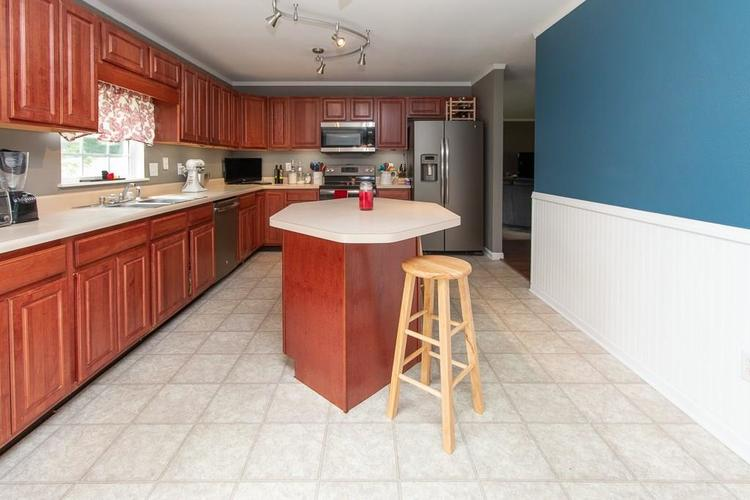 1652 Turning Leaf Drive Franklin, IN 46131   MLS 21664231   photo 14