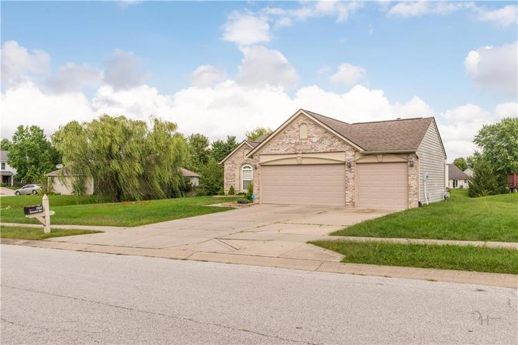 2423 Canvasback Drive Indianapolis, IN 46234 | MLS 21664255 | photo 2