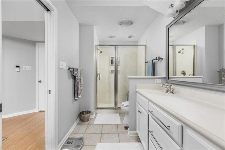 2227 Van Ness Place Indianapolis, IN 46240 | MLS 21664276 | photo 15