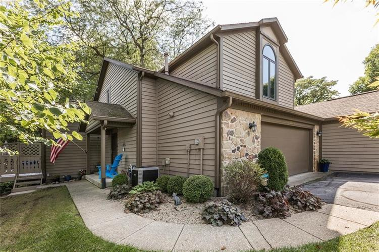 2227 Van Ness Place Indianapolis, IN 46240 | MLS 21664276 | photo 2