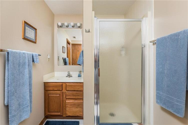 2227 Van Ness Place Indianapolis, IN 46240 | MLS 21664276 | photo 20
