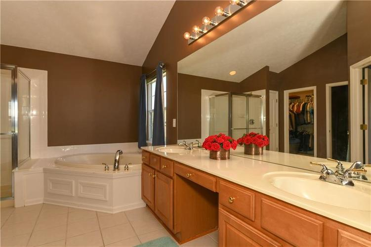 11971 Landwood Drive Fishers, IN 46037 | MLS 21664302 | photo 22