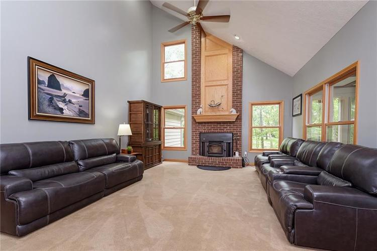 8261 Twin Pointe Circle Indianapolis, IN 46236 | MLS 21664353 | photo 14
