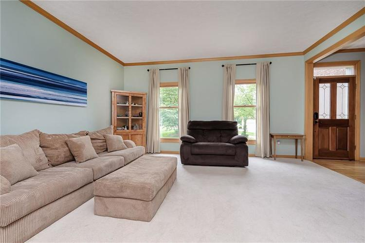 8261 Twin Pointe Circle Indianapolis, IN 46236 | MLS 21664353 | photo 4
