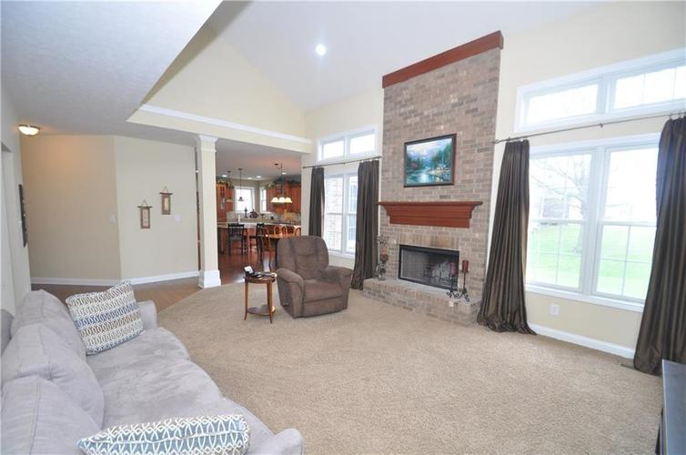 7904 Whiting Bay Drive Brownsburg, IN 46112 | MLS 21664486 | photo 21