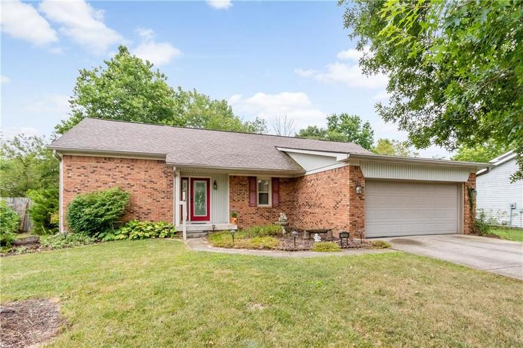 7423  Fairway Circle East Drive Indianapolis, IN 46236 | MLS 21664537