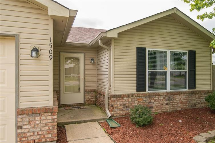 1509 COTTONWOOD Drive Franklin, IN 46131   MLS 21664556   photo 4