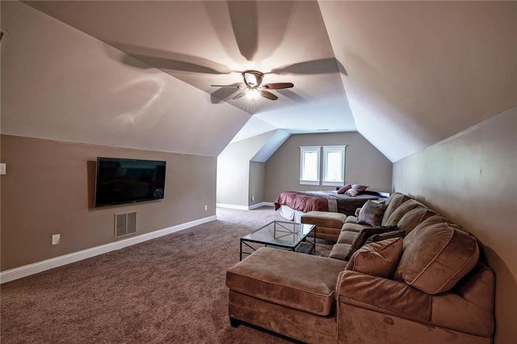 7955 Oak Hill Drive Indianapolis, IN 46250 | MLS 21664665 | photo 27