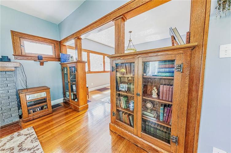 4234 N College Avenue Indianapolis, IN 46205 | MLS 21664736 | photo 11