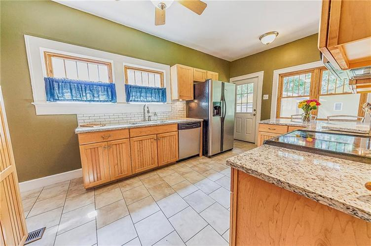 4234 N College Avenue Indianapolis, IN 46205 | MLS 21664736 | photo 16