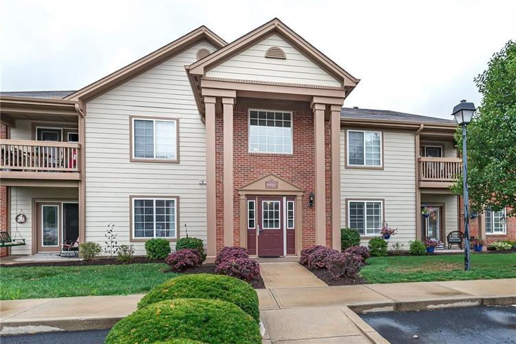 8910  HUNTERS CREEK Unit 101 Drive Indianapolis, IN 46227 | MLS 21664948