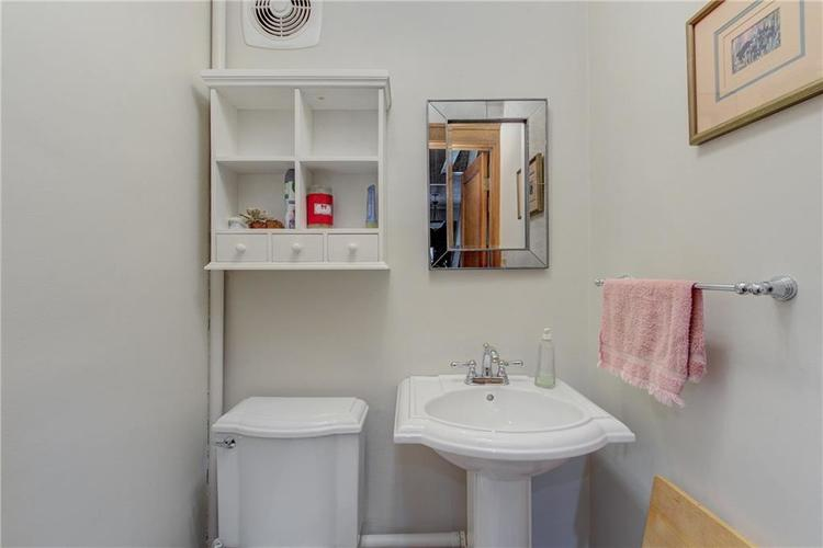 5256 CENTRAL Avenue Indianapolis, IN 46220 | MLS 21664981 | photo 19