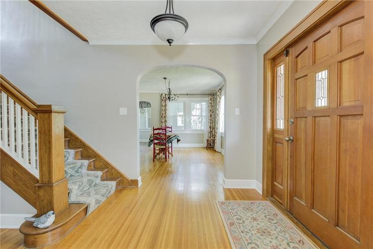 5256 CENTRAL Avenue Indianapolis, IN 46220 | MLS 21664981 | photo 2