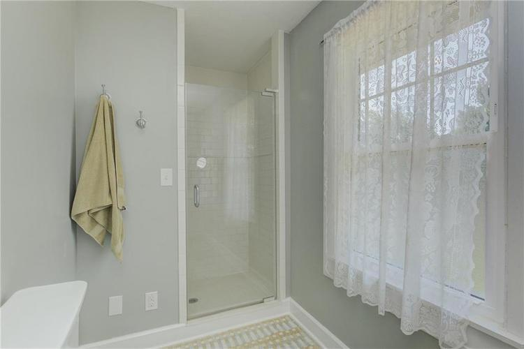 5256 CENTRAL Avenue Indianapolis, IN 46220 | MLS 21664981 | photo 27