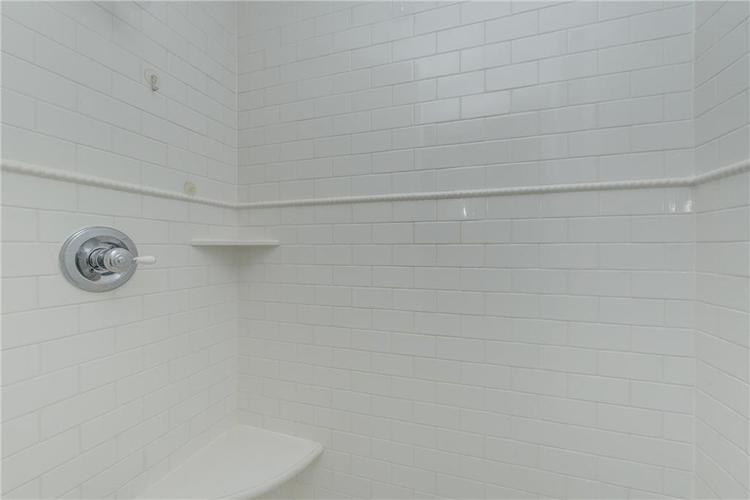 5256 CENTRAL Avenue Indianapolis, IN 46220 | MLS 21664981 | photo 28