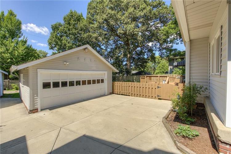 5256 CENTRAL Avenue Indianapolis, IN 46220 | MLS 21664981 | photo 40