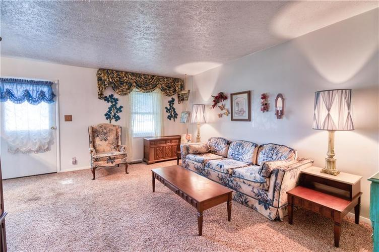 992 Rolling Hill Road Greenwood, IN 46142 | MLS 21664993 | photo 6
