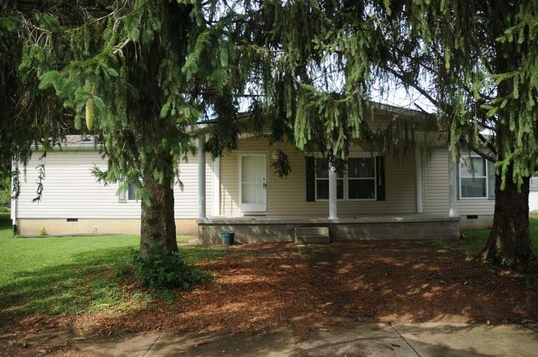 206 E Broad Street Spiceland, IN 47385 | MLS 21664994 | photo 1