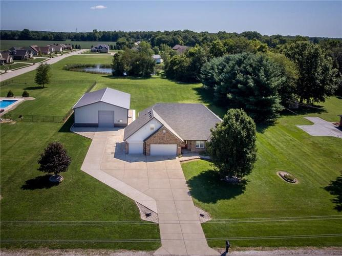 7351 S County Road 650 E Plainfield, IN 46168 | MLS 21665031 | photo 1