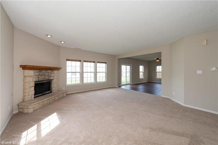 6828 Woodland Heights Drive Avon, IN 46123 | MLS 21665070 | photo 6
