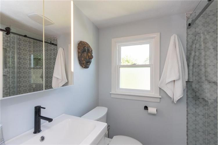2434 NORTHVIEW Avenue Indianapolis, IN 46220 | MLS 21665072 | photo 24