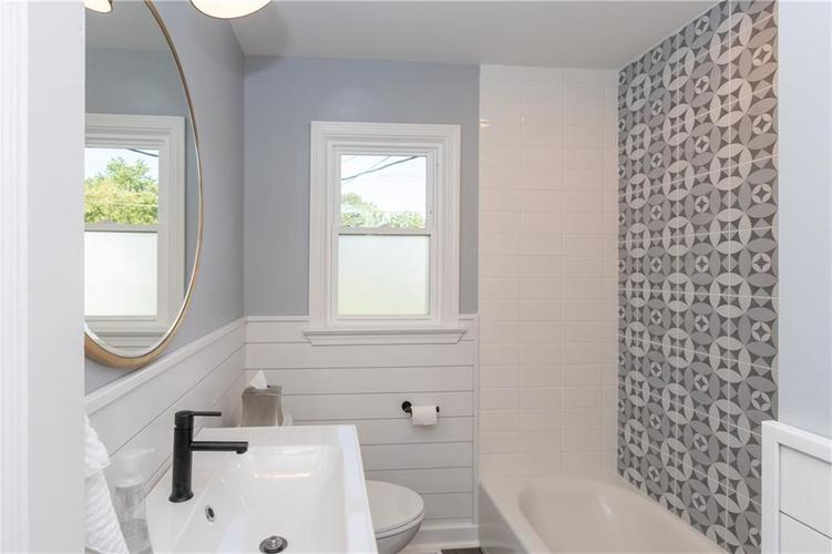 2434 NORTHVIEW Avenue Indianapolis, IN 46220 | MLS 21665072 | photo 34