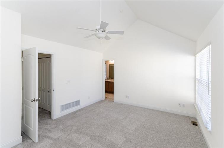 937 Junction Place #937 Indianapolis, IN 46220 | MLS 21665110 | photo 10