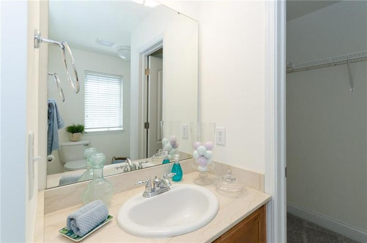 937 Junction Place #937 Indianapolis, IN 46220 | MLS 21665110 | photo 15