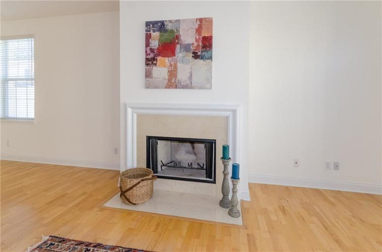 937 Junction Place #937 Indianapolis, IN 46220 | MLS 21665110 | photo 7