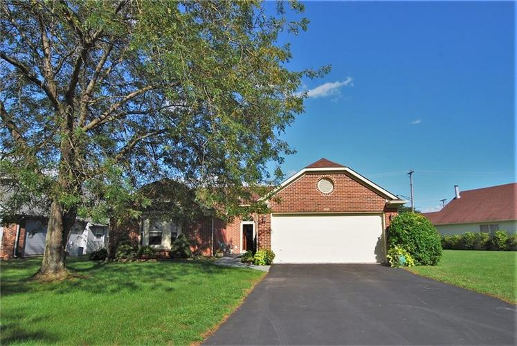 1980 Crystal Bay East Drive Plainfield, IN 46168 | MLS 21665119 | photo 1