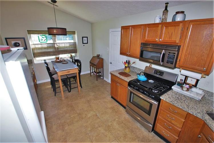 1980 Crystal Bay East Drive Plainfield, IN 46168 | MLS 21665119 | photo 25