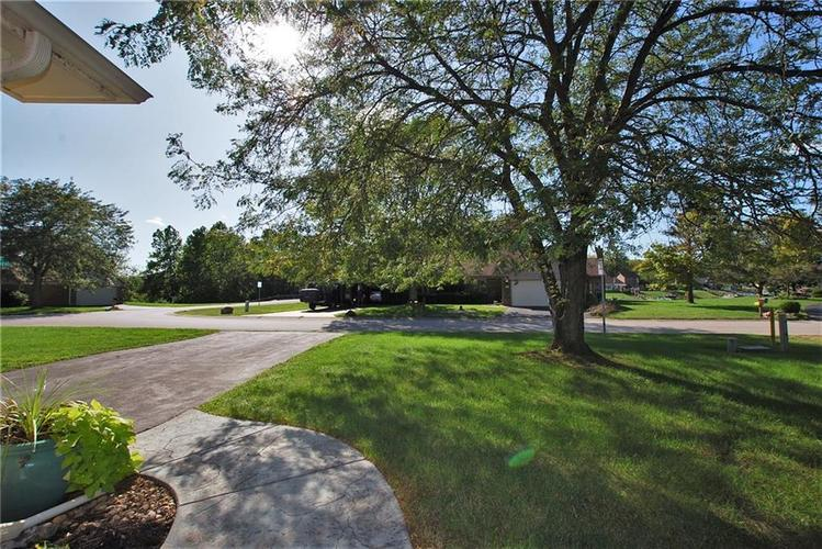 1980 Crystal Bay East Drive Plainfield, IN 46168 | MLS 21665119 | photo 3