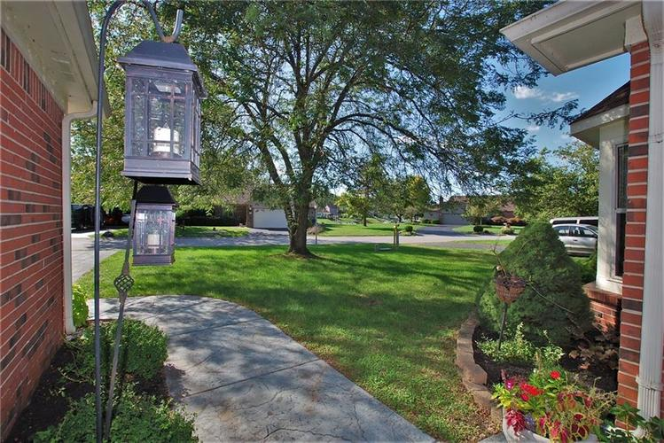 1980 Crystal Bay East Drive Plainfield, IN 46168 | MLS 21665119 | photo 4