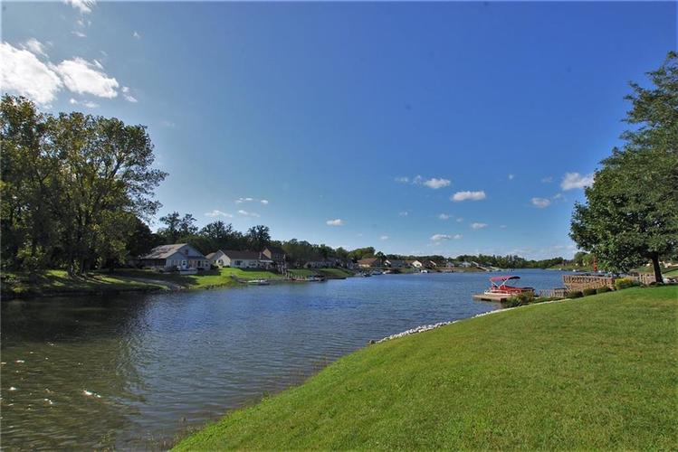 1980 Crystal Bay East Drive Plainfield, IN 46168 | MLS 21665119 | photo 9