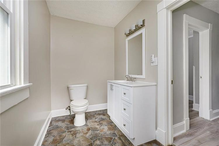 327 W 39th Street Indianapolis, IN 46208 | MLS 21665135 | photo 22