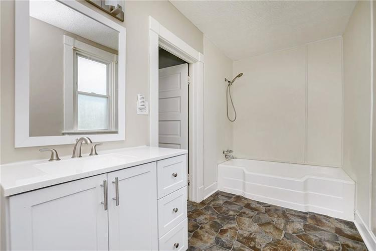 327 W 39th Street Indianapolis, IN 46208 | MLS 21665135 | photo 23