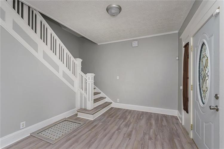 327 W 39th Street Indianapolis, IN 46208 | MLS 21665135 | photo 4